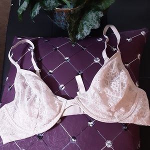 38B EXCELLENT CONDITION UNLINED PLUNGE BRA